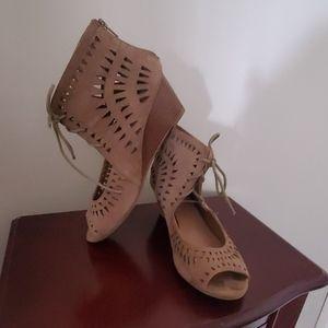 Modcloth Aztec Style Sandal w/ Heel